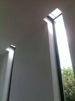 stalen frames in dak